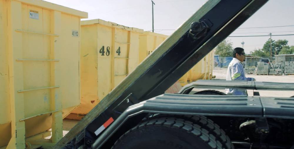 Guide to Renting the Right Dumpster This Summer